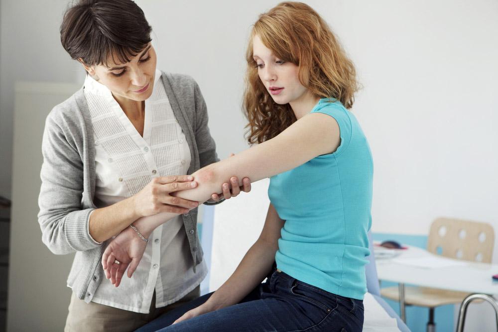 Psoriasis Autoimmune Disease Skin Condition Itchy Rash Dermatologist Doctor Consultation 1